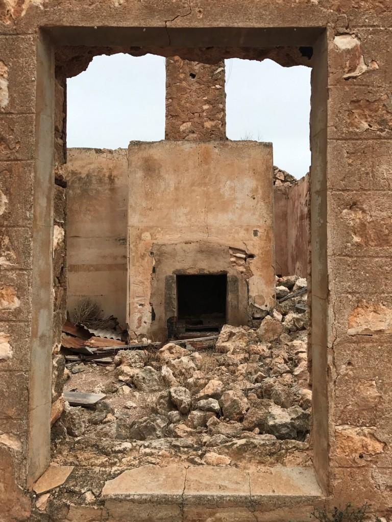 McKenzie Ruins Chimney, SA
