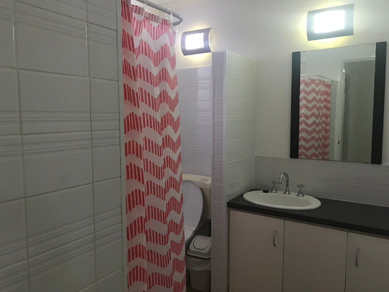 Streaky Bay Islands Caravan Park - Ladies Bathroom (ensuite style showers/toilets)
