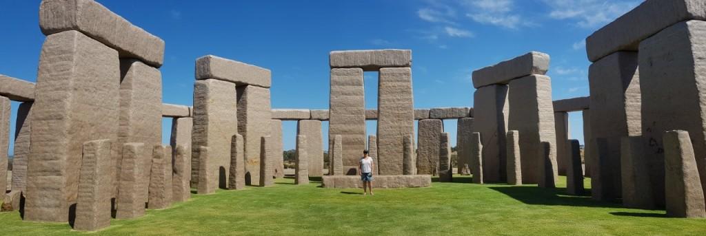 Esperance, Stonehenge