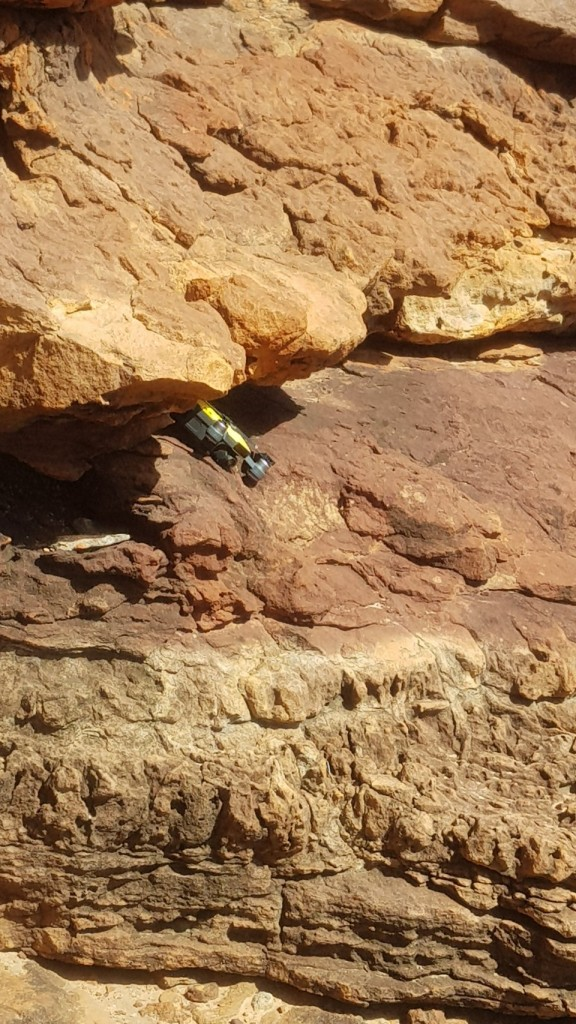 Drone wedged in a crevice on a cliff face, Z Bend Murchison River, Kalbarri National Park WA